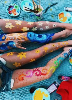 Τι λένε τ' άστρα και τα ζώδια – Uñas Coffing – Maquillaje – Peinados – Moda – Zapatos – Moda masculina – Maquillaje de ojos – Trenzas – Vestidos – Trajes casuales – Moda Emo – Uñas acrílicas – Piercings – Uñas – Tatuajes – Arte corporal – Tutori Le Zodiac, Skin Paint, Body Paint Art, Leg Painting, Leg Art, Summer Aesthetic, Dark Fantasy Art, Best Friend Goals, Friend Pictures