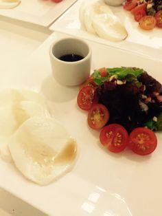 Salad mosarella y cherrys