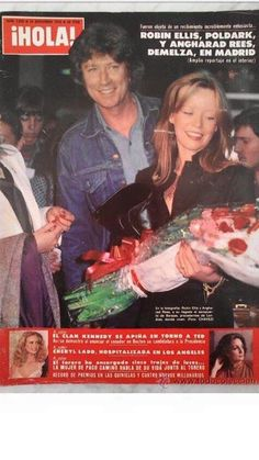 Robin Ellis and Angharad Rees on the cover of a Spanish magazine Poldark 1975, Poldark Tv Series, Demelza Poldark, Cheryl Ladd, Robin Ellis, Ted, Ross And Demelza, Aidan Turner Poldark, Masterpiece Theater