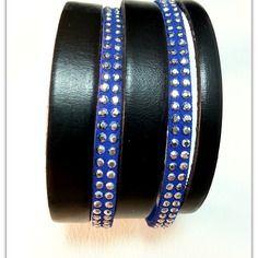 Bracelet manchette cuir noir et suédine bleu klein à strass , et fermoir argenté magnétique