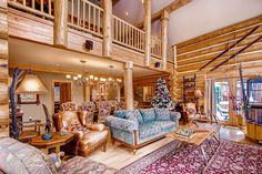Ski Classic Lodge is a beautiful villa for rent in Breckenridge, CO. Beautiful Villas, Home Cinemas, Red Carpet Looks, Skiing, Colorado, Vibrant, Kitchens, Layout, Group
