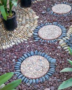 allées de jardin artisanale-pas-japonais-dalles-rondes-galets