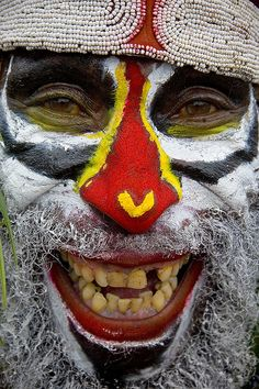 Papua New Guinea - smile - Highlands, Mount Hagen festival singsing © Eric Lafforgue
