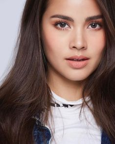 Urassaya Philippines 🇵🇭 Enjoy the rest of yoyr Saturday 🐰❤️🤘 - Yooying Beauty Zone, Beauty Queens, Beauty Make Up, Girl Pictures, Pretty Woman, Celebs, Celebrities, Beautiful Women, Hairstyle