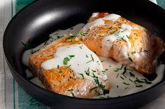 Φιλέτο σολομού στο τηγάνι με αρωματικό πιλάφι - Γρήγορες Συνταγές | γαστρονόμος online Fish Dishes, Biscotti, Seafood Recipes, Mashed Potatoes, Recipies, Food And Drink, Eggs, Yummy Food, Chicken