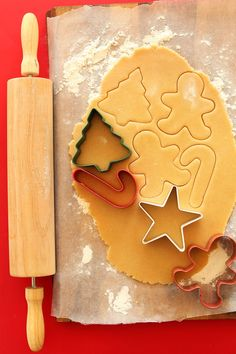Simple, classic vegan sugar cookies made with just 1 bowl. Tender, perfectly sweet, easy, and delicious! Perfect for holiday baking. High Protein Snacks, Holiday Baking, Christmas Baking, Vegan Christmas Desserts, Baker Recipes, Vegan Recipes, Quick Recipes, Yule, Vegan Sugar Cookies