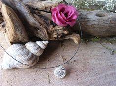 Mooie 925 zilveren holle bloempatroon liefdescirkel hanger aan zilveren spang door Expressingbeauty op Etsy