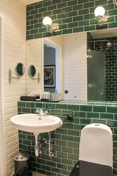 diy bathroom remodel ideas is entirely important for your home. Whether you choose the remodeling bathroom ideas or remodeling bathroom ideas, you will make the best rebath bathroom remodeling for your own life. Serene Bathroom, Bathroom Layout, Bathroom Interior Design, Home Interior, Small Bathroom, Bathroom Ideas, Neutral Bathroom, Master Bathroom, Bathroom Canvas