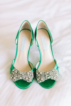 a59b99f9b9b emerald wedding shoes - photo by The Compass Points Here http   ruffledblog.