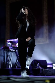 Lorde at Coachella Weekend 2