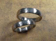 * wedding rings   oogst-sieraden * Trouwringen * Witgouden bolle ringen met hamerslag * Maatwerk *