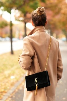 The perfect Yves Saint Laurent monogram bag for any occasion. Simple and chic.