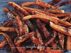 O diecie dr Ewy Dąbrowskiej zrobiło się głośno po ogłoszeniu w internetach wspaniałej metamorfozy prezenterki telewizyjnej i dziennikarki Karoliny Szostak. Ja o diecie wiedziałam już wcześniej, od … Clean Eating, Healthy Eating, Healthy Food, Ale, Bacon, Easy Meals, Healthy Recipes, Simple Recipes, Gluten Free