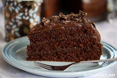 Café Stings sjokoladekake (med ekstra mye sjokoladekrem) | Det søte liv Food And Drink, Baking, Desserts, Cakes, Tailgate Desserts, Deserts, Bakken, Mudpie, Cake