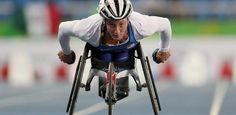 """Ela tinha que """"andar"""" só com os braços e agora busca sete medalhas no Rio - UOL Olimpíadas"""