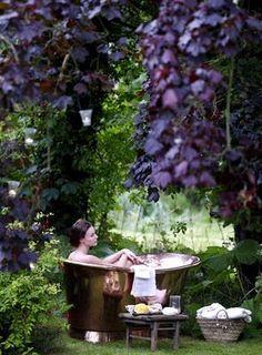 romantic / relaxing bath in a green & purple garden
