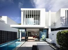 Image 13 of 28 from gallery of Brighton Townhouses / Martin Friedrich Architects. Photograph by Martin Friedrich Architecture Design, Plans Architecture, Residential Architecture, Contemporary Architecture, Australian Architecture, Modern Townhouse, Townhouse Designs, Duplex House Design, Modern House Design