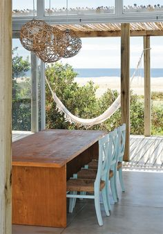 Inspiration for that beach house I hope to have one day. House of Turquoise: Martin Gomez Arquitectos Coastal Homes, Coastal Living, Coastal Kitchens, Porches, Estilo Resort, Outdoor Spaces, Outdoor Living, Beach House Lighting, Casa Patio