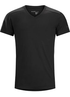 V-Neck Shirt SS Men's Performance focused V-neck made from Polylain™ wool/polyester blend. Designed for active urban living and bicycle commutes. V Neck, Urban, Ss, Bicycle, Shirts, Wool, Shopping, Summer, Fashion