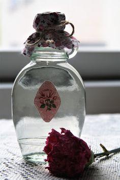 Minkun Matkassa: Ruususiirappi ruusuvedestä