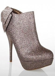 do you think these would leave a trail of glitter? do you think i'd care? Ankle Booties, Bootie Boots, Silver Boots, Passion For Fashion, Fashion Outfits, Fasion, Booty, Pairs, My Style