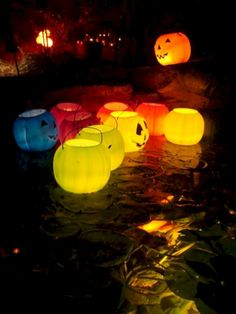 Flawless Awesome Halloween Pool Party Decorating Ideas: 25+ Best Inspirations http://goodsgn.com/outdoor/awesome-halloween-pool-party-decorating-ideas-25-best-inspirations/