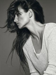 La actriz tiene un ejemplo de cómo envejecer en su oficio: Ángela Molina. En la imagen, con jersey de Zara.