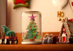 Globo de neve feito com vidro de conservas