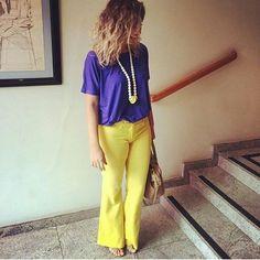 """Dias de calor comportam cores e combinações mais vibrantes. Olha que linda esta dica das meninas da @simple.chique com colar @carolgregori ! O look ficou super alegre e ao mesmo tempo comportado e """"sóbrio"""" para um dia de trabalho! Amamos!!  #bomdia #elausacarolgregori #look #inspiracao #trabalho #colorido #alegria #energia #acessorios #blogger #goodmorning #ootd #workoutfit #tips #colorful #hot #day #enjoy #instalook #instafashion #instacool"""