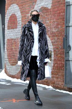 Big Fashion, Star Fashion, Paris Fashion, Winter Fashion, Olivia Palermo Lookbook, Olivia Palermo Style, Outfits Con Camisa, City Style, Instagram Fashion