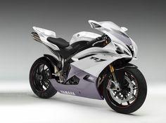 moto-yamaha-deportiva1.jpg (1366×1024)