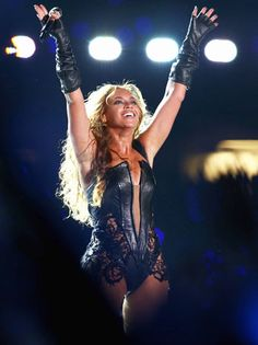 Super Bowl 2013: Beyonce Sings (Live!) and Reunites With Destiny's Child for Halftime Show