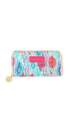 A Lilly Pulitzer wallet is the perfect gift for any Lilly lover. Our Change it Up Wallet is a zip around continental wallet with the organization you need with the Lilly print you crave!