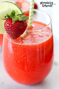 Strawberry Limeade to quench your thirst on a hot summer day! This drink recipe is a copycat of The Habit Burger Grill's Strawberry Limeade recipe. It's easy to make and lower-sugar thanks to Truvía® sweeteners! Definitely a must-make drink! How To Make Drinks, Food To Make, Hot Wassail Recipe, Rum Punch Recipes, Drink Recipes, Top Recipes, Tropical Smoothie Recipes, Truvia Baking Blend, Strawberry Limeade