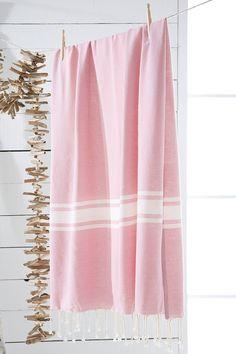 Fouta rose - Tati Bee Embroidery, Turkish Cotton Towels, Textiles, Linen Curtains, Soft Summer, Striped Linen, Tea Towels, Textile Art, Rose