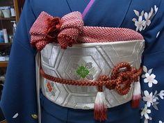 帯揚げアレンジ : 向日葵和装☆着付け Tribal Costume, Folk Costume, Costumes, Japanese Costume, Japanese Kimono, Japanese Outfits, Japanese Fashion, Japanese Style, Traditional Fashion
