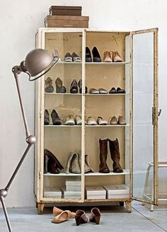 One of the most essential things at every home is a shoe storage. Here are some of the most creative and stylish shoe storage that can used at homes to safely store your shoes and make them look go… Shoe Cupboard, Shoe Cabinet, China Cabinet, Decoracion Vintage Chic, Vintage Decor, Vintage Display, Ideas Armario, Wit And Delight, Decoration Vitrine
