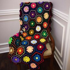 """Vintage Crochet Flower Hexagon blanket - Jill Stampke (@jillsvintagecloset) on Instagram: """"This vintage raised flower afghan is so beautiful I had to post a photo before bed, it will be up…"""""""
