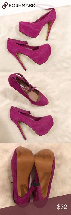 H By Halston Purple Suede Platform Pumps Heels 8 These heels by H By Halston are in excellent condition, only worn once. The only flaw is a dark marking on the back of one of the heels, as shown in the photos. Let me know if you have any questions. H by Halston Shoes Platforms