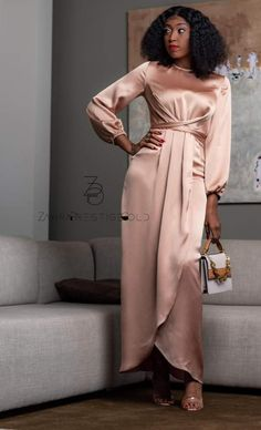 African Wear Dresses, Latest African Fashion Dresses, African Print Fashion, Chic Dress, Classy Dress, Classy Outfits, Unique Ankara Styles, Ankara Gown Styles, Mode Turban