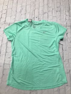 Nike Style, Eyelet Top, Nike Green, Nike Fashion, Athletic Wear, Mint, Sleeves, Mens Tops, Color