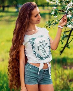 The next Rapunzel for the day is @dashulyadar Our site is dedicated to the celebration of beautiful long hair. If you have long hair and would like to be featured on our instagram profile and website please send us a DM with your best hair picture. #longhair #rapunzel #cabeloslongos #hairdiva #hairmodel #beautifulhair #hairgoals #instahair
