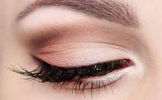 Znalezione obrazy dla zapytania makijaż slubny zielone oczy