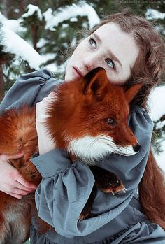 White Wolf : The Girl And The Fox Cuddle In Beautiful Photographs by Alexandra Bochkareva