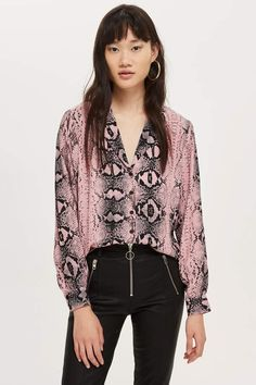 Pink Snake Print Shirt - Shop All Sale - Sale - Topshop Europe Women's Dresses, Printed Blouse, Printed Shirts, Latest Fashion Trends, Fashion Brands, Fashion News, Pink Snake, Ralph Lauren, Smart Outfit