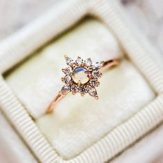Deco Engagement Ring, Morganite Engagement, Rose Gold Engagement Ring, Engagement Ring Settings, Vintage Engagement Rings, Nontraditional Engagement Rings, Art Nouveau, Gold Diamond Wedding Band, Necklaces