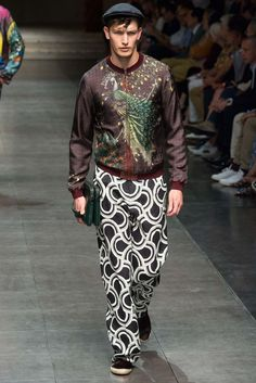 http://www.style.com/slideshows/fashion-shows/spring-2016-menswear/dolce-gabbana/collection/6