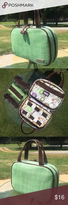 """🐉 Stephanie Johnson 🐉 🐉 Stephanie Johnson storage with 3 removable pouches. In Like new condition. Approx measurements: 9""""W x 6""""H x 3""""D. Thanks for looking! 🐉 Stephanie Johnson Bags Travel Bags"""