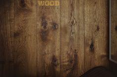 Wykonanie Wood Fashion (deska podłogowa Chapel InBetween, kolor: dąb siedemnastowieczny przyciemniany, wersja gładka, czterostronna mikrofaza, Rustic AB).