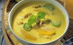 Orangen-Kokos-Suppe mit Lauch